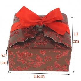 Boite a gâteaux  mariage rouge